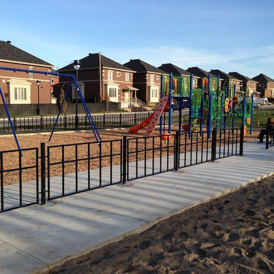 clôture ornementale parc enfants